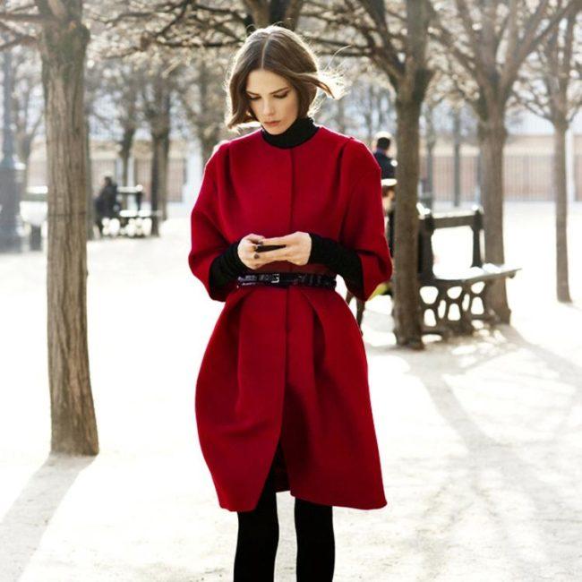 Пальто удлиненное с коротким рукавом