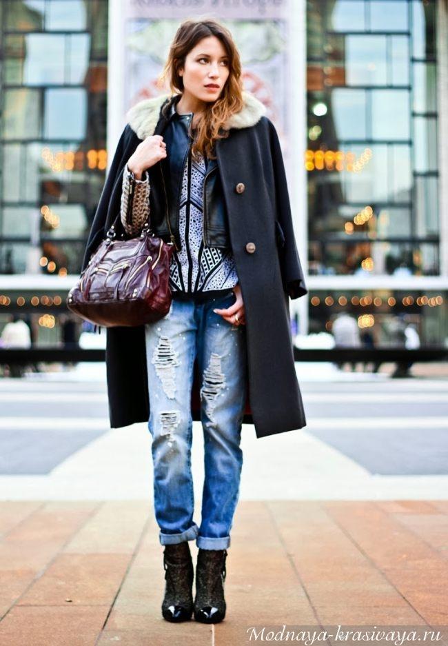 сочетание джинсов и пальто