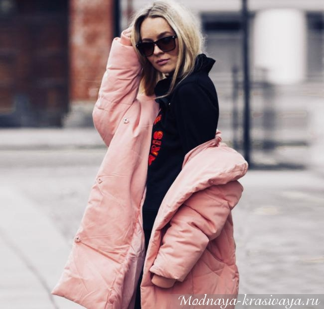 Женский розовый пуховик