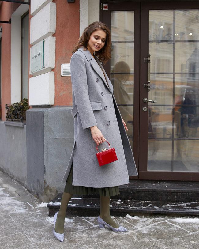 серое пальто с юбкой