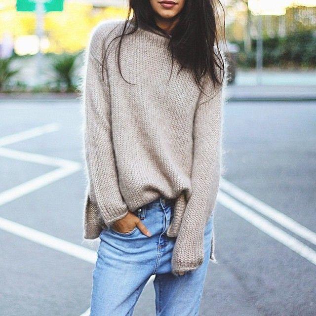 большой свитер для девушки