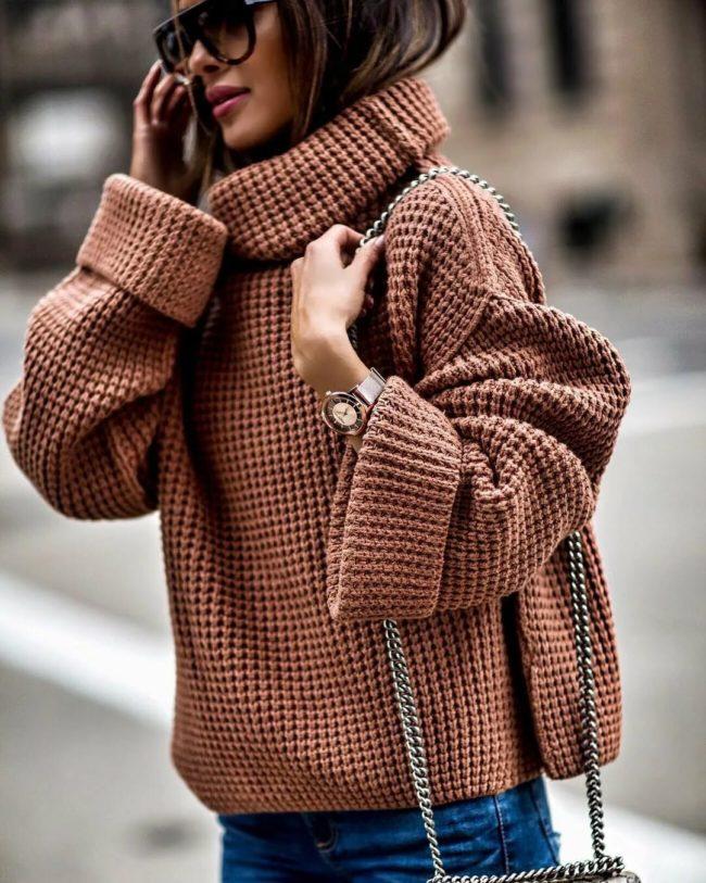 Стильные женские свитеры