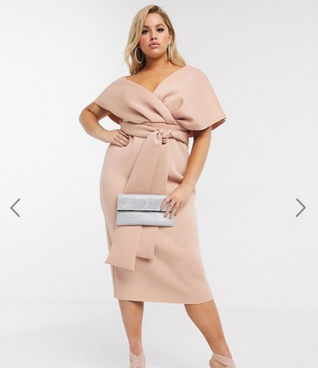 стильное новогоднее платье для полных
