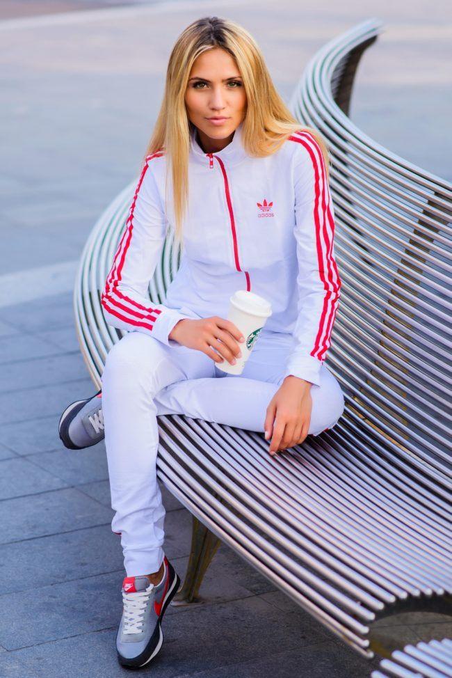 бело-красный спортивный образ