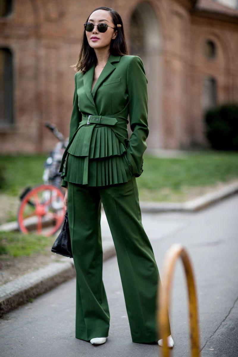 Модные женские костюмы осень-зима 2021-2022