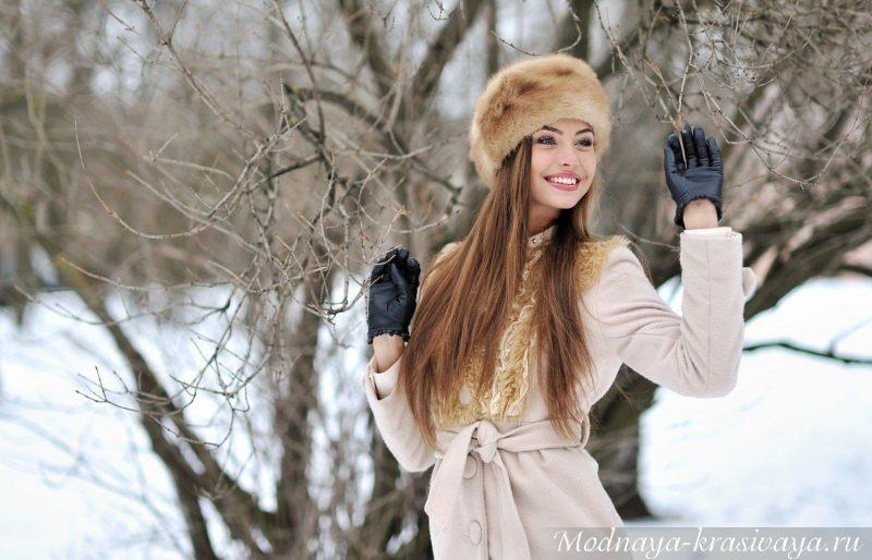 Меховая шапка с пальто