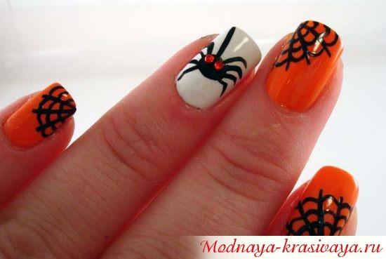 пауки на ногтях