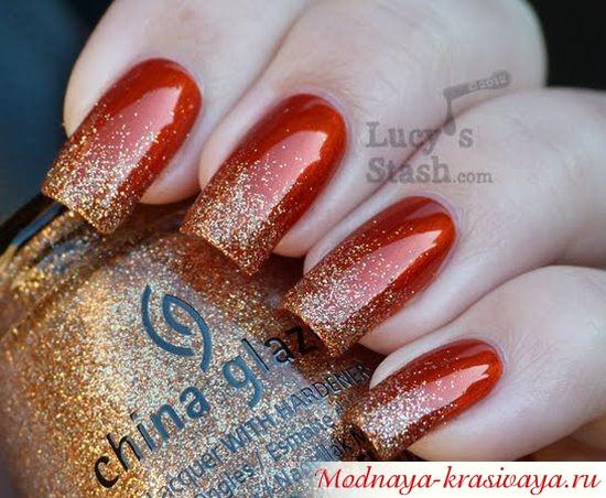 красные ногти с блестками