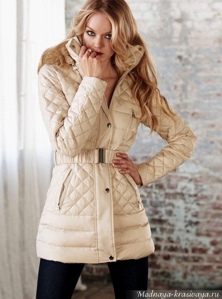 Светло-бежевое пальто на синтепоне