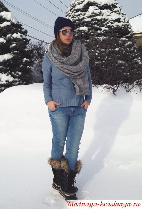 с теплым свитером